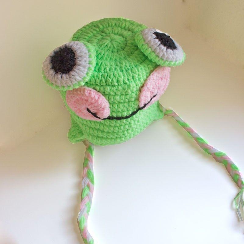 Gorro de ganchillo verde rana con ojos saltones trenzas y - Gorritos bebe ganchillo ...