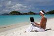 escribiendo en la playa