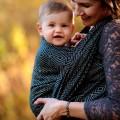 Fular portabebés Linen black cube bebé frente