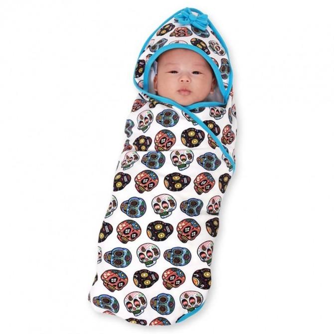 Hooded baby blanket Sugar skulls white