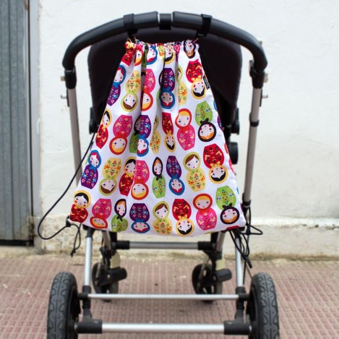 Mochila para carrito bebe estampado matrioskas