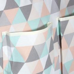 Bolso bebe triangulos pastel - bordes bolsillos en beige