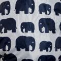 Cobertor porteo estampado - elefantes gris