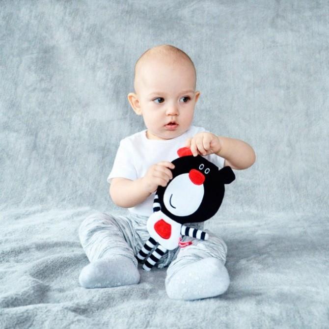 Juguete bebé - osito Boo negro y rojo
