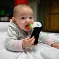 Juguete para morder bebe - tucán estrujable