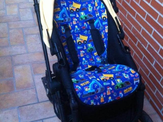 Colchoneta universal carrito con dibujos de Lego