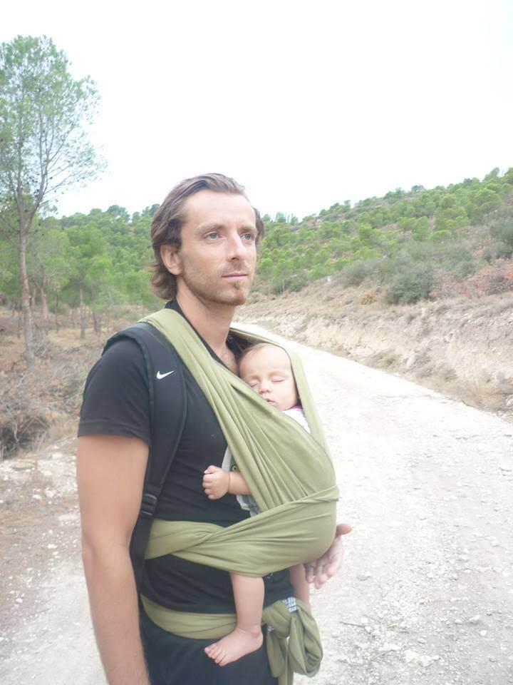 Paseo con fular portabebes elastico verde