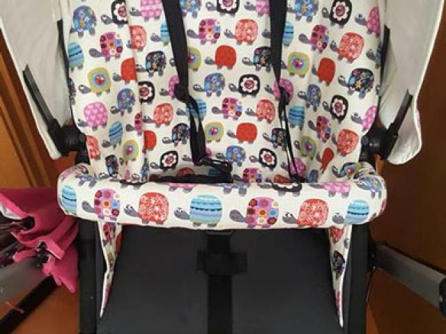 Funda de asiento y capota para Bugaboo con tela de tortugas