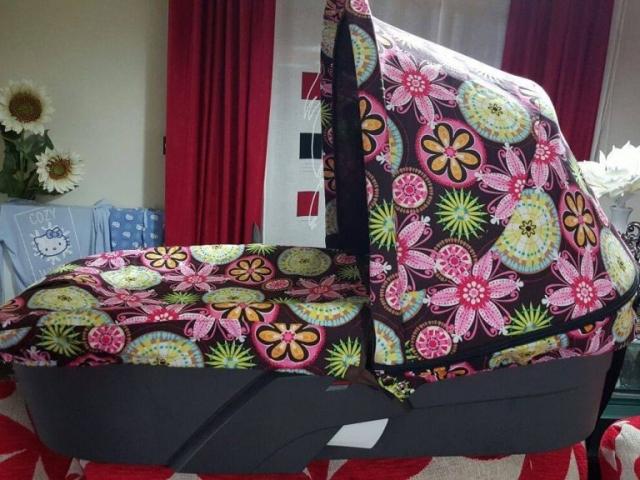 Capota y cubre capazo para silla Stokke Xplory