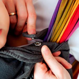 Como se agarran los cobertores de porteo